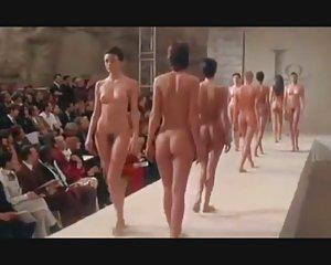 Nudo sfilata di moda ritorno - pret e porter video sesso gratis